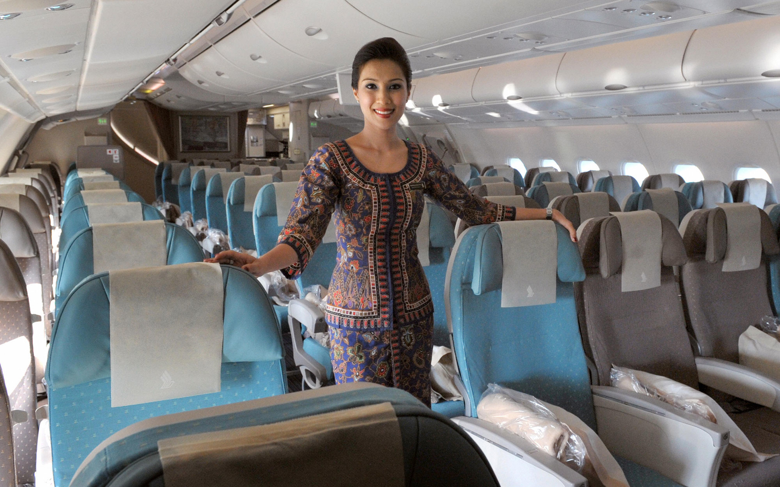 Singapore Airlines Has Hired Its First Female Pilots